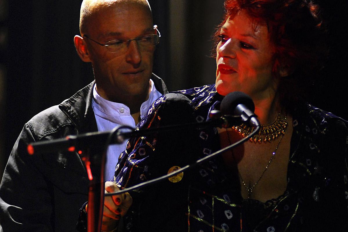 Dana Gillespie & Joachim Palden Trio (UK/AU)<br/><span style=''>Sâmbătă, 4 septembrie 2021, ora 21.30</span>